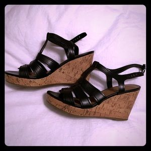 Black cork wedge